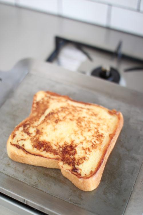 MMFactoryの極厚鉄板で焼いたフレンチトースト